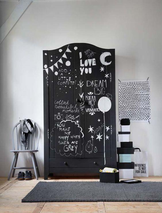 Integrar armarios vintage en la habitación del bebé