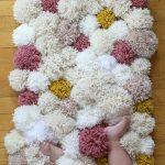 Cómo hacer una alfombra de pompones