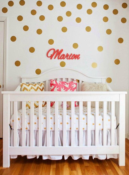 dormitorio-bebe-lunares-1