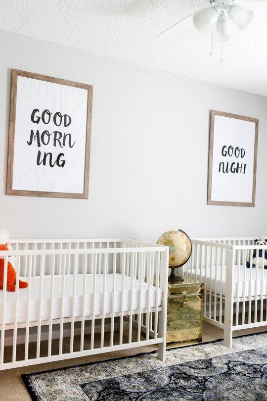 Decoración neutra para gemelos