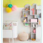 Una estantería árbol para el dormitorio del bebé
