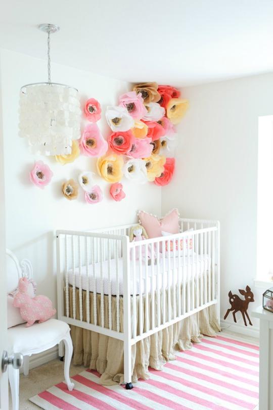 Flores de papel para decorar el dormitorio del beb for Habitaciones decoradas para ninas