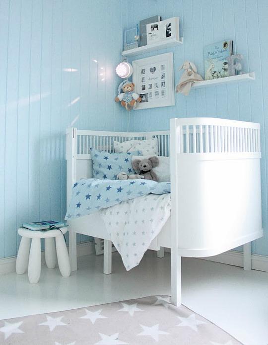 Habitaciones de beb s pintadas de color azul claro for Cuarto azul con gris