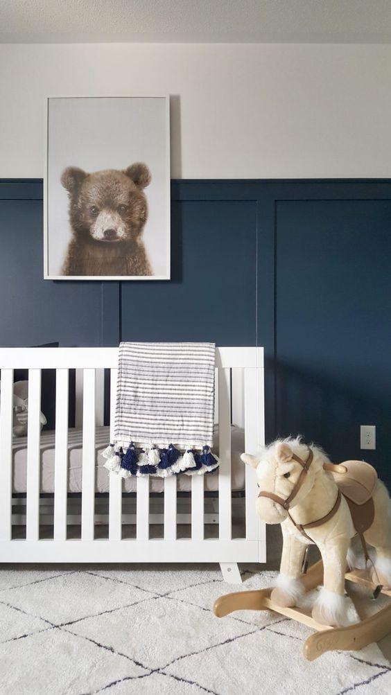 Habitación bebé azul oscuro