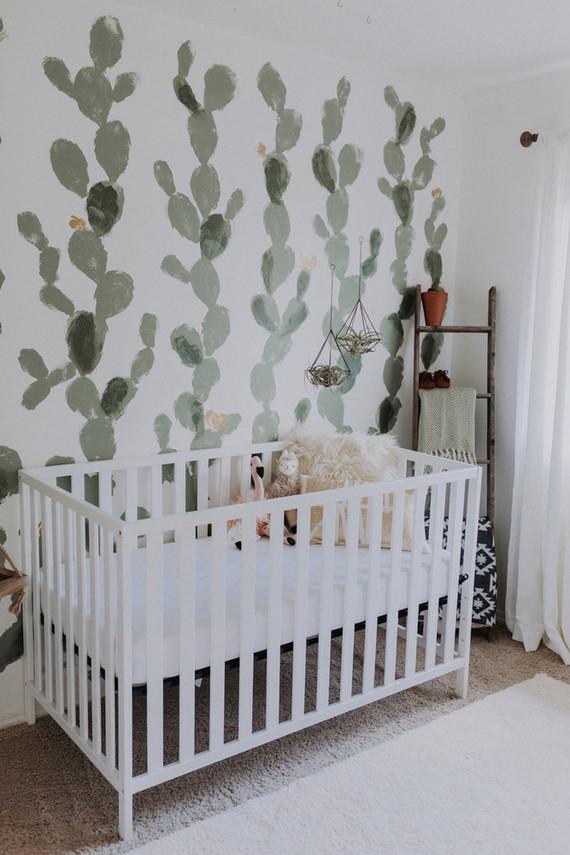 Mural cactus en el cuarto del beb decoraci n beb s for Mural para habitacion
