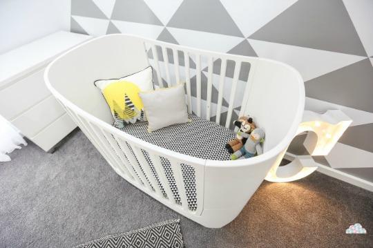 Moderna habitaci n en blanco y negro con dise os - Habitacion bebe moderna ...