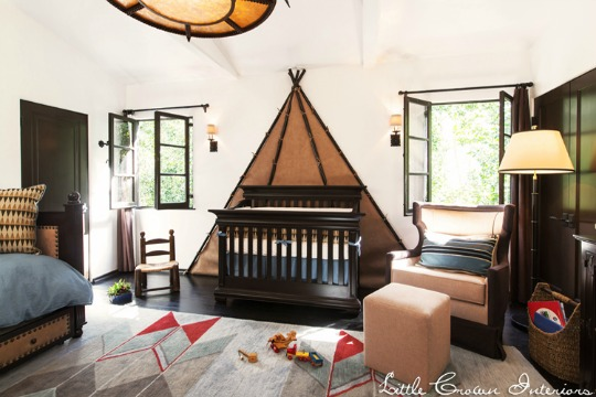 Muebles clásicos de color oscuro para el bebé | DECORACIÓN BEBÉS