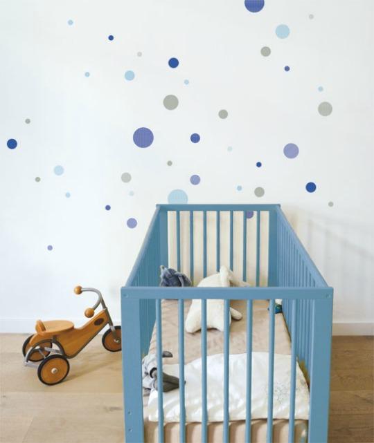 Como decorar su habitaci n con lunares decoraci n beb s for Habitacion bebe con vinilos