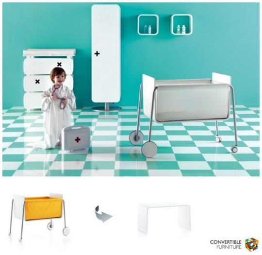 La minicuna BE se convierte en un pequeño escritorio para niños.