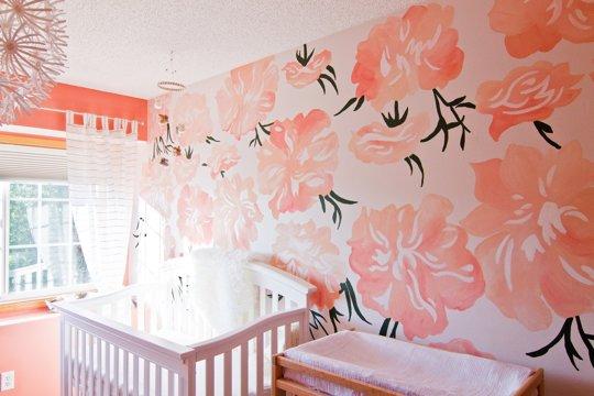 Mural de flores para la habitació del bebé